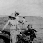 port-oconnor-ladies-fishing-on-jetty-2