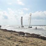 beach_sailboats_001